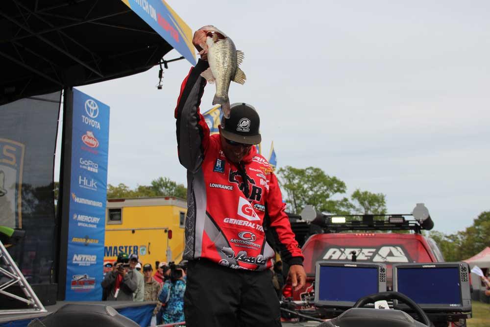 Britt Myers Wins Winyah Bay