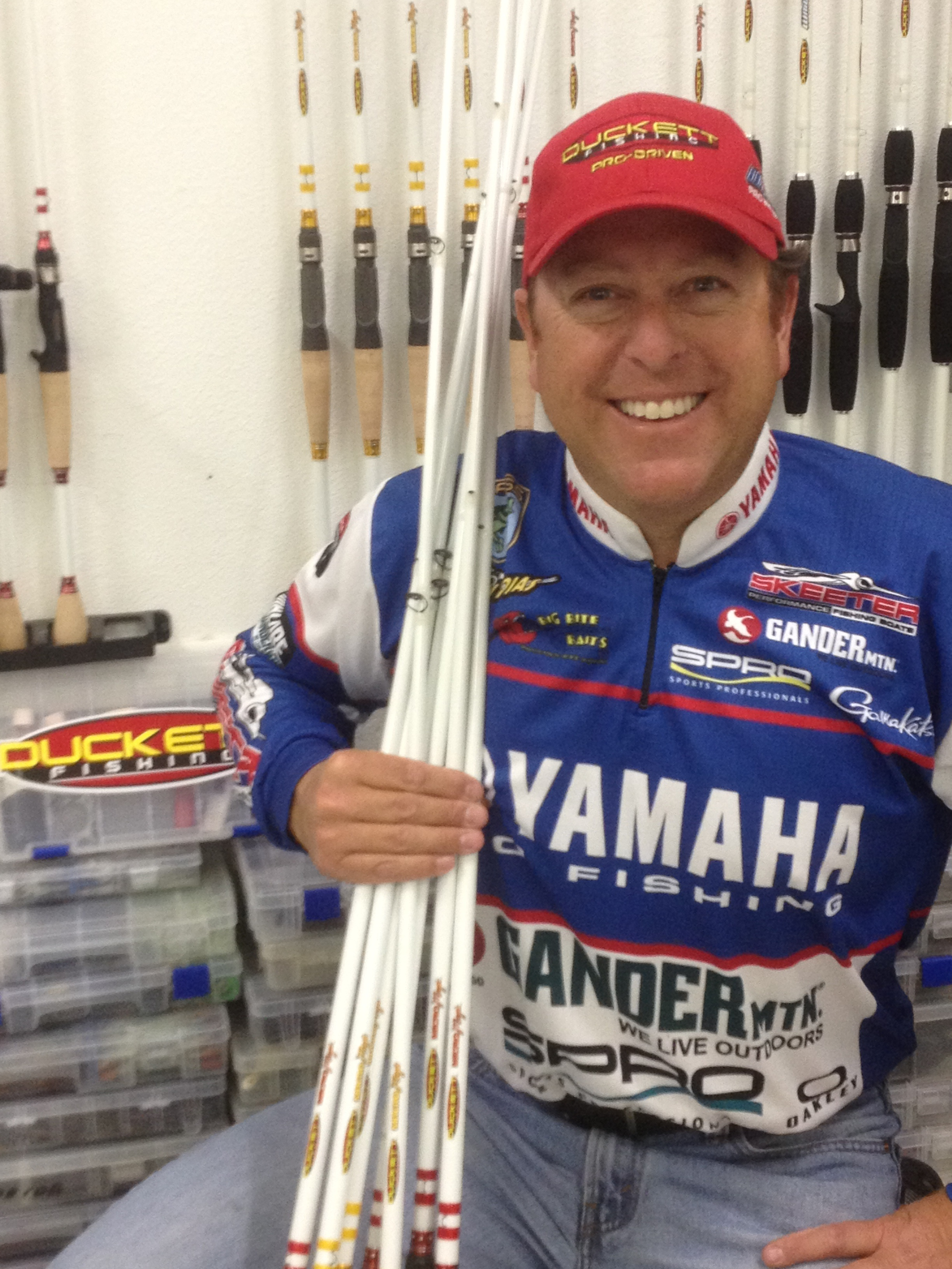 Rojas joins duckett fishing pro staff for Fishing pro staff