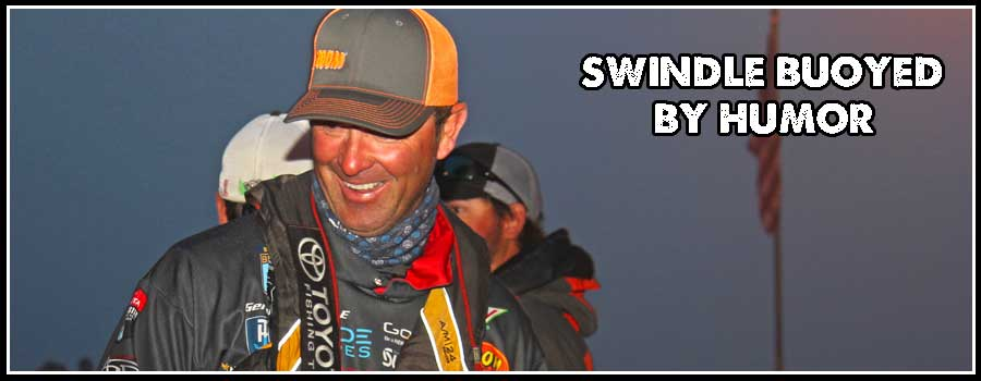 Swindle Buoyed by Humor to Begin Day 2 at Mille Lacs