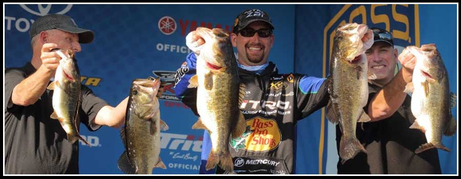 DeFoe Takes Commanding Lead In Bassmaster Elite On Lake Okeechobee