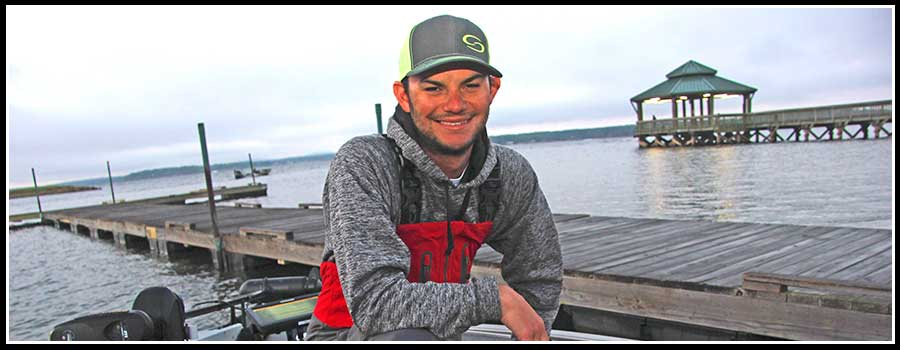 Jordan Lee Balances Phone and Fishing at Toledo Bend