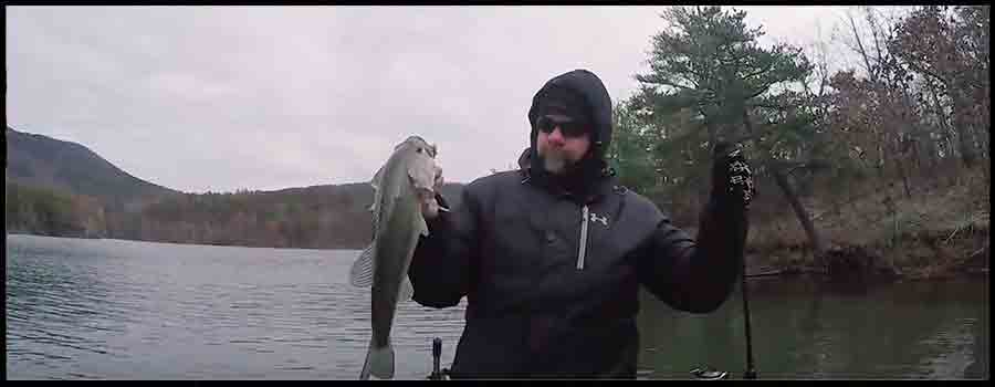 Jig Fishing During a COLD Front!!