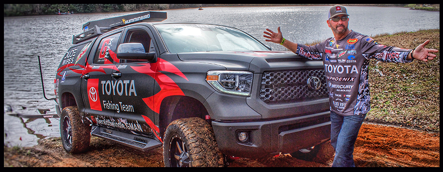 Three Combos Swindle Takes in his Tundra